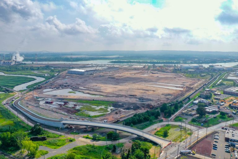 Linden Logistics Center construction project in Linden, NJ - Aerial photo from 350ft to the East